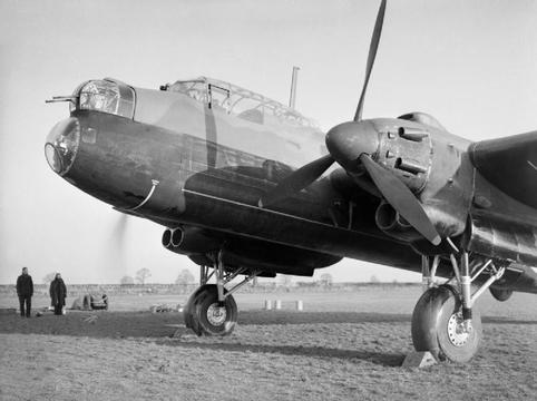 Normal avro manchester mk i of no. 207 squadron raf at waddington  lincolnshire  12 september 1941. ch3879