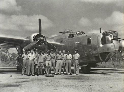 Normal 21 squadron raaf liberator aircrew fenton nt mar 1945 awm nwa0731