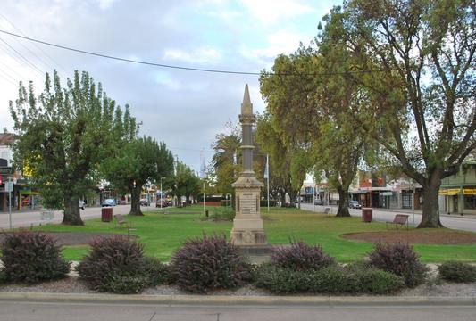 Normal bairnsdale boer war memorial