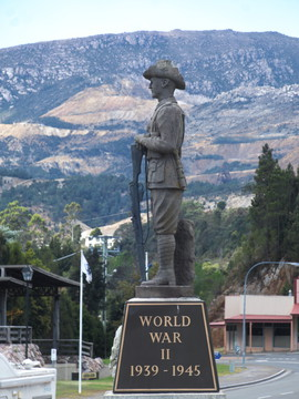 Normal queenstown war memorial 20171121 049