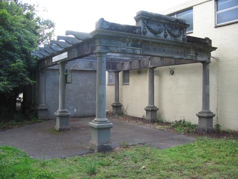 Normal edinburgh gardens memorial