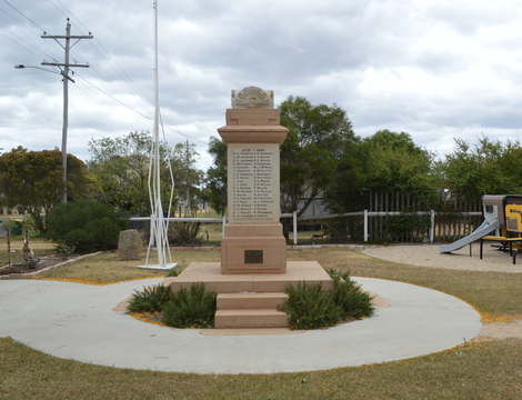 Normal maclagan war memorial 005