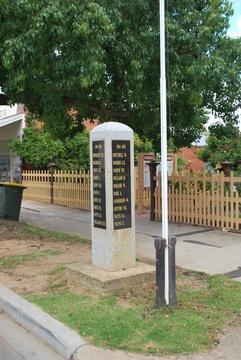 Normal dunolly war memorial