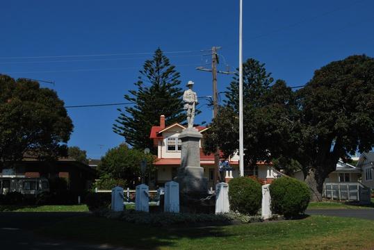 Normal apollo bay war memorial