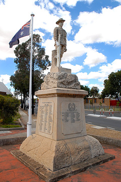 Normal adelaide road 35 gawler south war memorial 20dec2013 pb575  11904724783