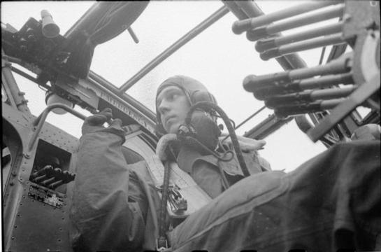 Normal halifax pilot wwii iwm d 6051