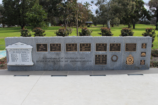 Normal all conflicts memorial wall 001