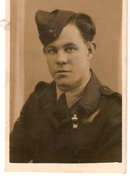 Profile pic colin in raaf uniform