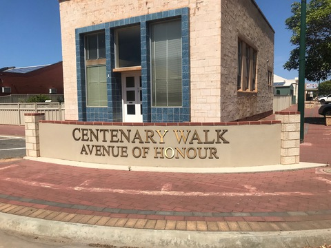 Normal tumby bay avenue of honour