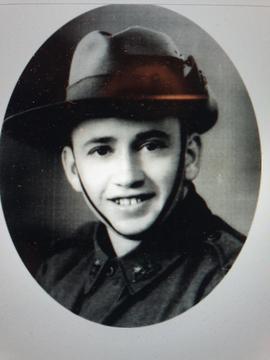 Profile pic douglas bagshaw in military uniform