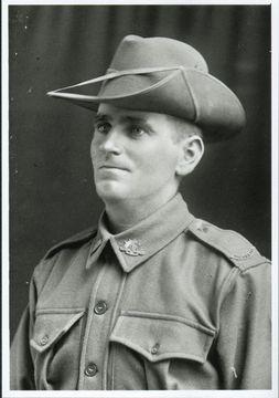 Profile pic frank aiken sept 1915