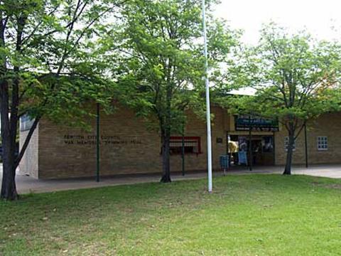 Normal penrith city council war memorial swimming pool