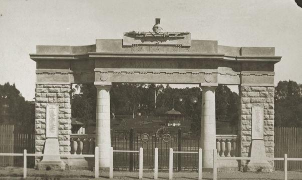 Normal clare ww1 memorial arch