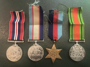 Profile pic thomas charles john cook vx85658   service medals front