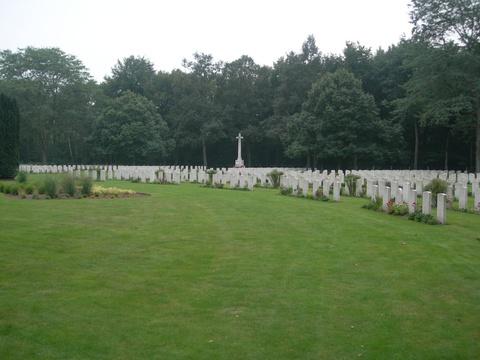 Normal jonkerbos war cemetery