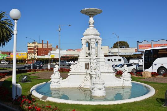 Normal ararat victoria boer war memorial fountain 19593995376 o