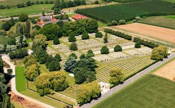 Normal lijssenthoek military cemetery   belgium   satellite view