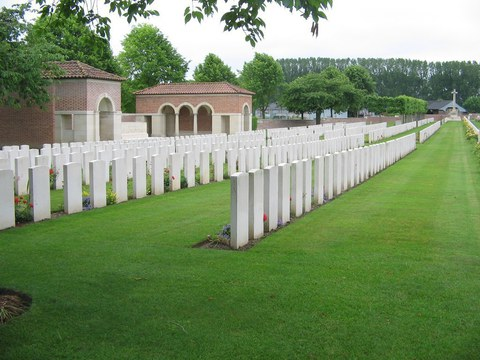 Normal daours communal cemetery extension