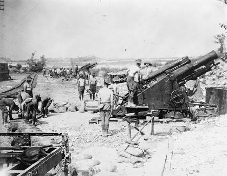Normal australian 9.2 inch howitzer fricourt august 1916 iwm q 4408 1