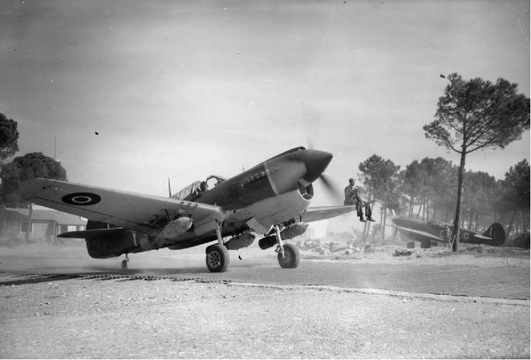 Normal 450 squadron kittyhawk italy 1945