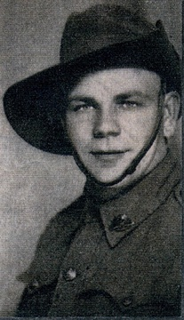 Profile pic hewitson clarence mervyn   enlistment pic   by nephew george hewitson