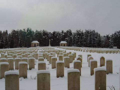 Normal becklingen war cemetery