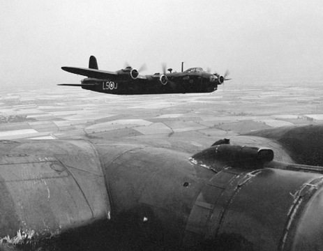 Normal a short stirling mark i coded ls j of no. 15 squadron 1 w640h480