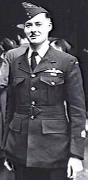 Profile pic 2016 7 7  2 11 1943 london england   403499 robert james carson