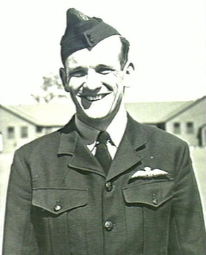 Profile pic ingram ian ross   sept 1941   at his graduation on becoming a pilot