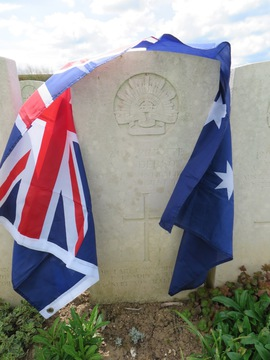 Profile pic anderson 2112 pte archibald 24th btn d 25 8 1916 puchevillers british cemetery  plot iii  row e  grave 35   with flag   from susan deutsches abenteuer