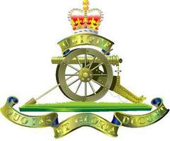 Big thumb royal artillery cap badge  1